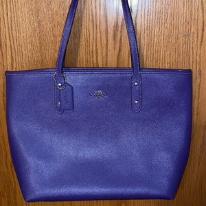 Coach Purple City Zip Large Tote Great condition
